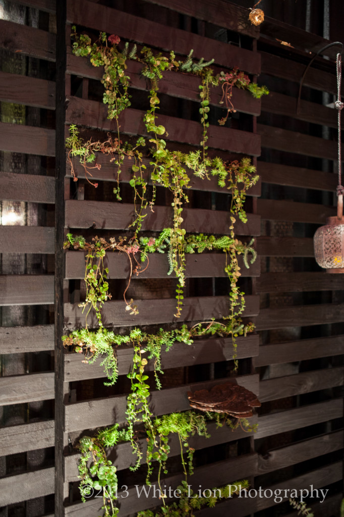 LIVING WALL by Mobius Home & Studio G