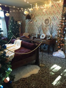 The Magic of Wintertime at the Pittock Mansion